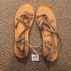 Never Been Worn AE Sandals!